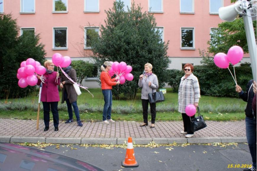 dyrektor Hospicjum Anna Kwiatek dziękuje za uczestnikom